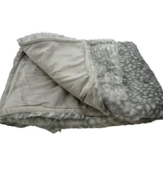 edle wohndecke mit punkten dekoik online shop. Black Bedroom Furniture Sets. Home Design Ideas