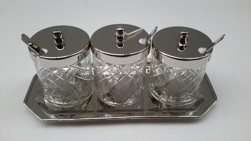 Glasbehälter mit Tablett